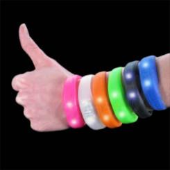 Silikoonist vilkuv käevõru Blink Bandz